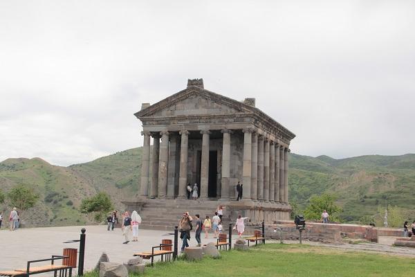 Templo romo de Garni